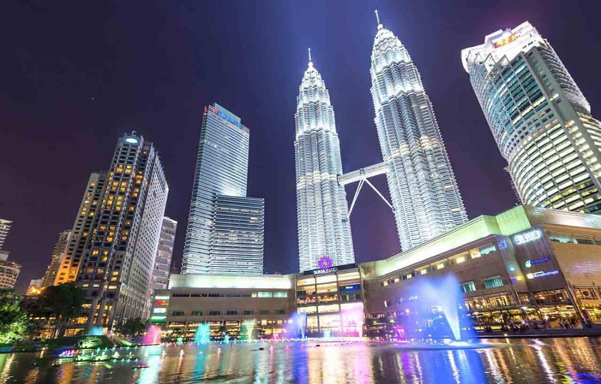 همه چیز درباره برج های دوقلوی پتروناس (Petronas Towers)