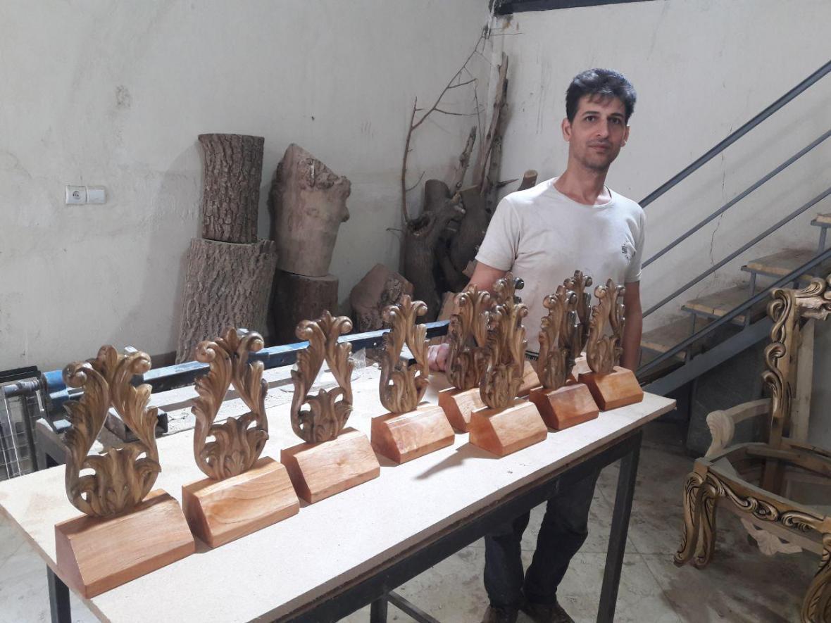 تندیس های نهمین جشنواره فرهنگی هنری تجلیل از کارگر ایرانی در داخل کشور ساخته می گردد؟