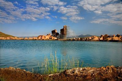 نمایشگاه اشیا منقول و آثار فرهنگی سنگی در نمایشگاه میراث جهانی تخت سلیمان برگزار می گردد
