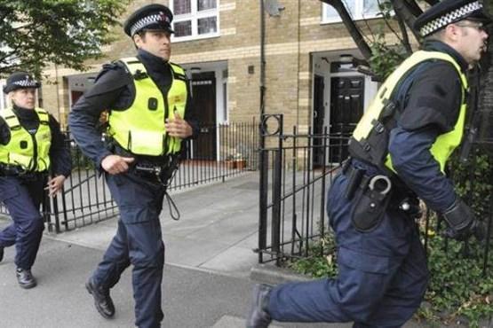 پلیس انگلیس در یک کامیون 39 جسد کشف کرد