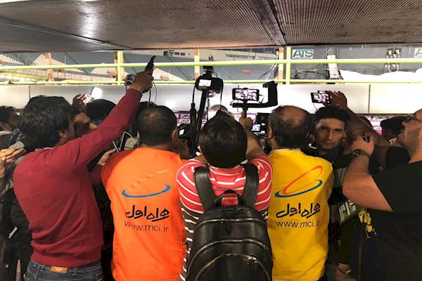 حق پخش اینترنتی مسابقات فوتبال فعلاً بین زمین و آسمان