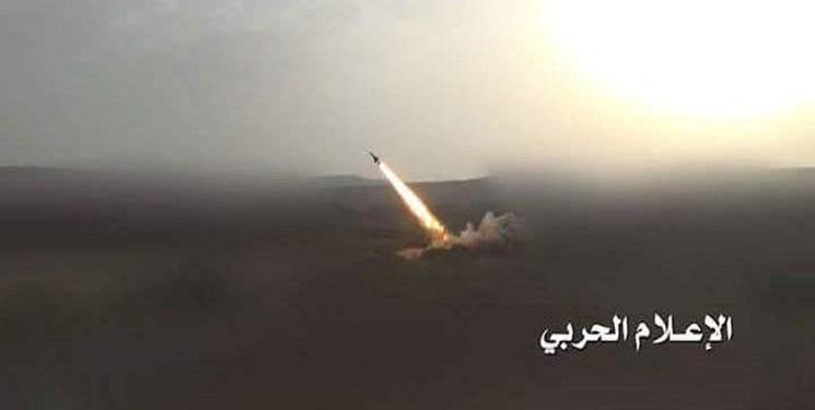 ارتش یمن اردوگاه فرماندهان ائتلاف سعودی و نیروهای هادی را با موشک هدف قرار داد