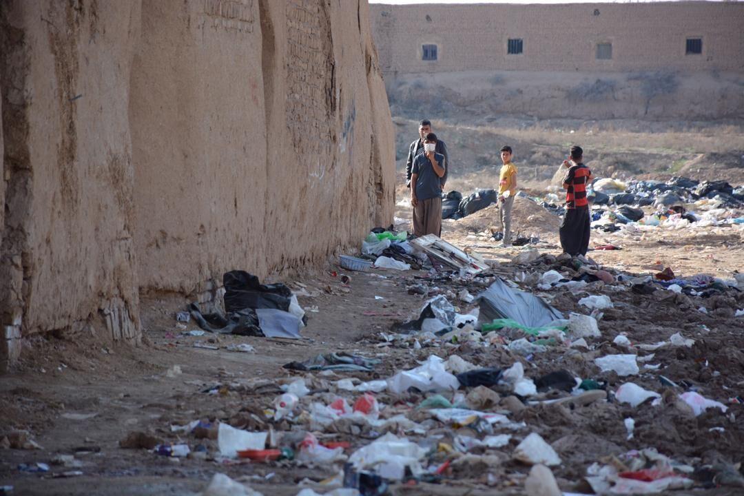خبرنگاران توزیع روزانه 1000 پرس غذای گرم برای بچه ها در گودهای زباله گردی تهران