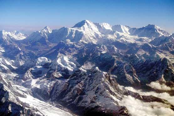 صعود به اورست از سمت نپال ممنوع شد