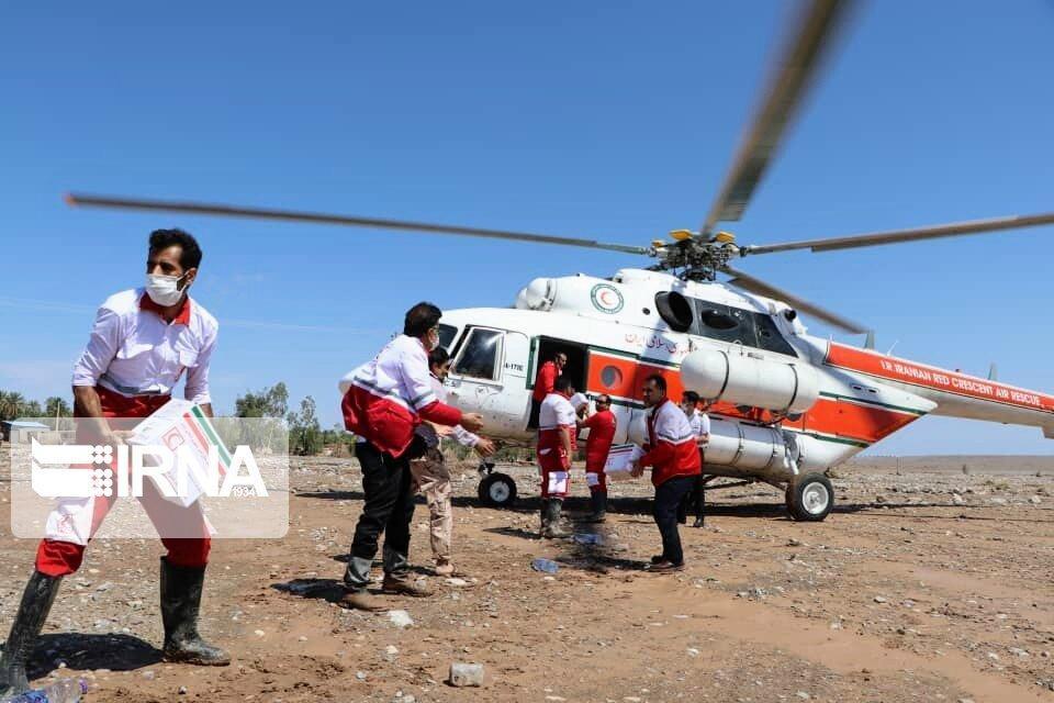خبرنگاران امدادرسانی هلال احمر در مناطق سیل زده کرمان همچنان ادامه دارد