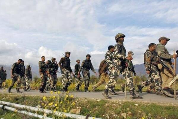 تبادل آتش در منطقه مورد مناقشه کشمیر، هشت نظامی هند کشته شدند