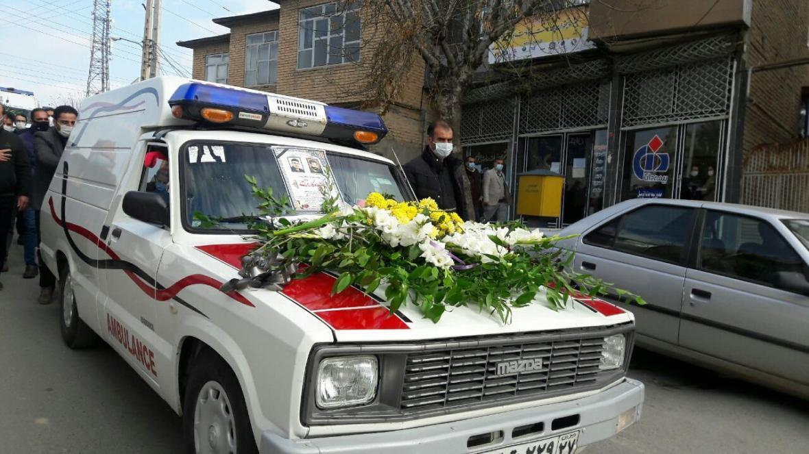 خبرنگاران پیکر نخستین شهید مدافع سلامت تکاب تشییع شد