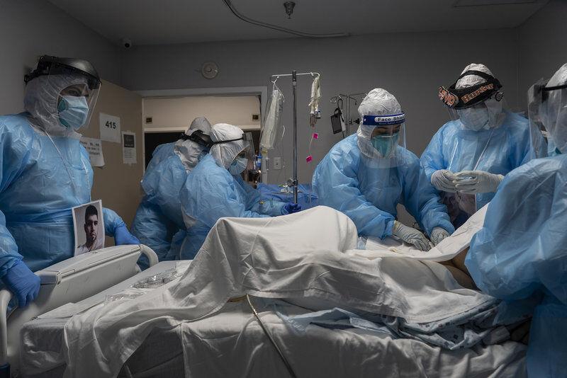بیماران کرونایی در نوادای آمریکا در پارکینگ بیمارستان بستری می&zwnjشوند