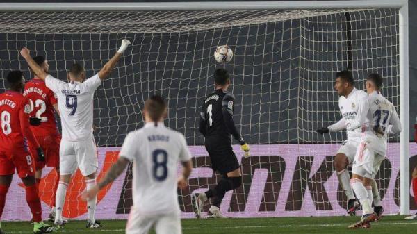 رئال مادرید 2 - 0 گرانادا؛ پنجمین برد پیاپی کهکشانی ها در لالیگا