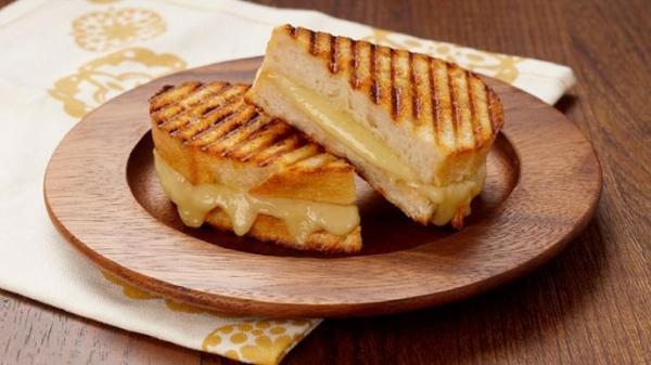 طرز تهیه ساندویچ پنیر کبابی در فر و تابه؛ خوشمزه و پرطرفدار