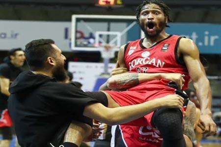 پرتاب حیرت آور در فینال لیگ برتر بسکتبال ایران (فیلم)