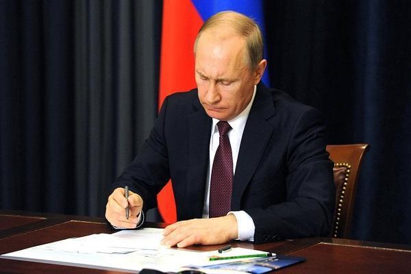 پوتین قانون خروج از پیمان آسمان های باز را امضا کرد