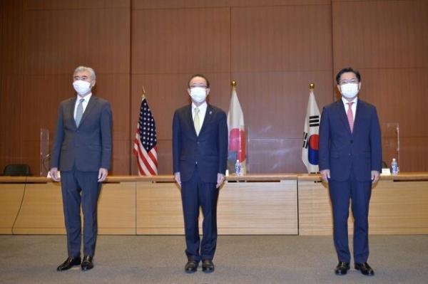 ویزای آمریکا: نشست سه جانبه ژاپن، آمریکا و کره جنوبی در توکیو برگزار گردید